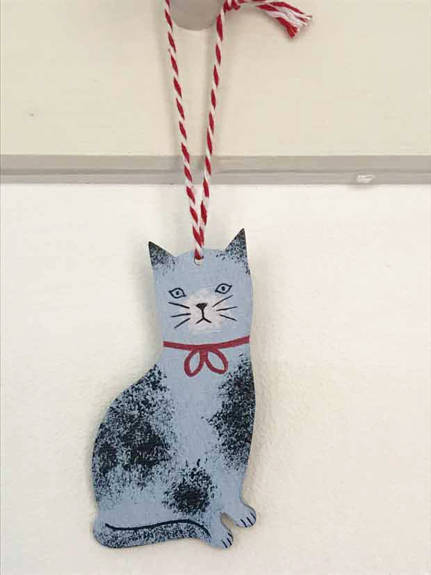 Sponge cat decoration