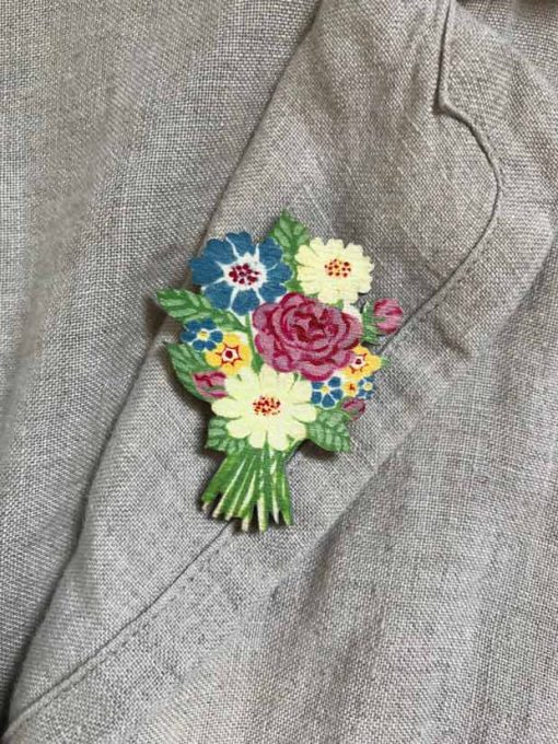 Summer Flowers Brooch detail