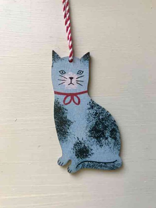 Sponge cat wooden decoration